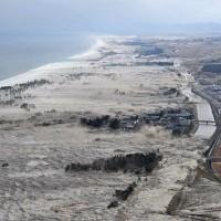 Foto-Foto Gempa dan Tsunami Jepang Maret 2011
