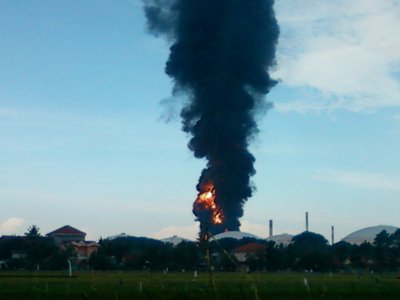 Foto Kebakaran Kilang Pertamina Cilacap